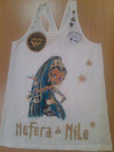Camiseta nefera