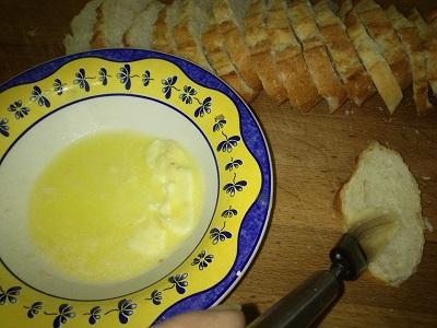 Pan tostado y mantequilla