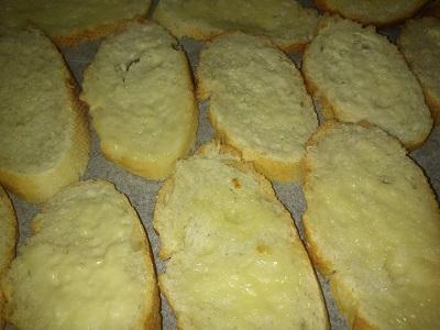 Pan tostado y mantequilla (3)