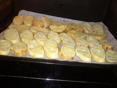 Pan tostado y mantequilla (4)