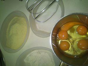 Ingredientes para bizcocho enrollado de almendra