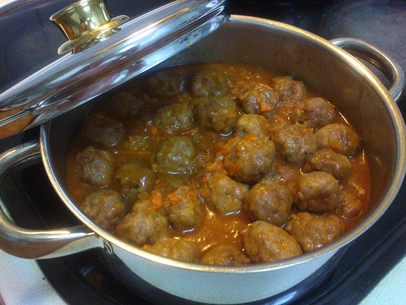 Albondigas con salsa de tomate y zanahoria (4)