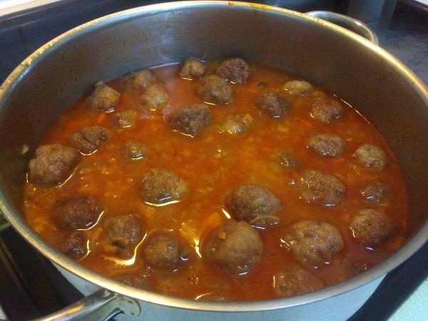 Albondigas con salsa de tomate y zanahoria (5)