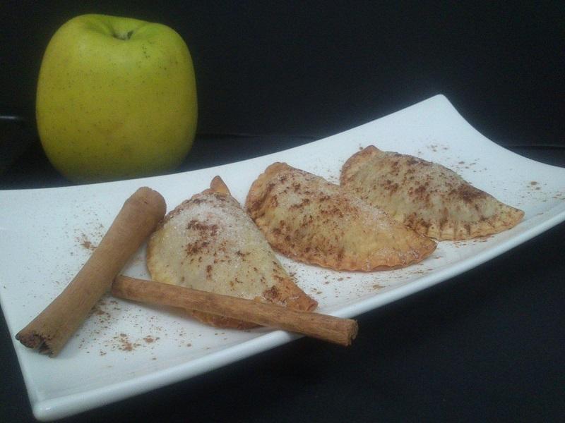 Empanadillas dulces de manzana y almendra