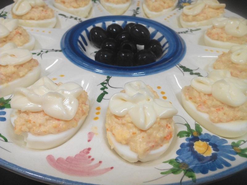 Huevos rellenos de chaca