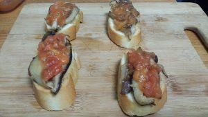 Montadito de Cecina, Setas al ajillo y tomates confitados (6)