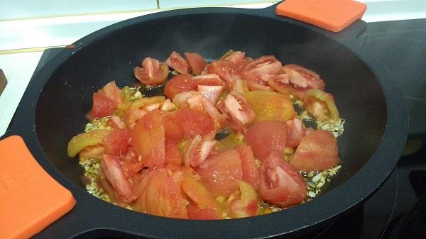 Espaguetis con langostinos y salsa de tomate casera 11 - Salsa de tomate y nata ...