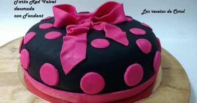 Tarta red Velvet decorada